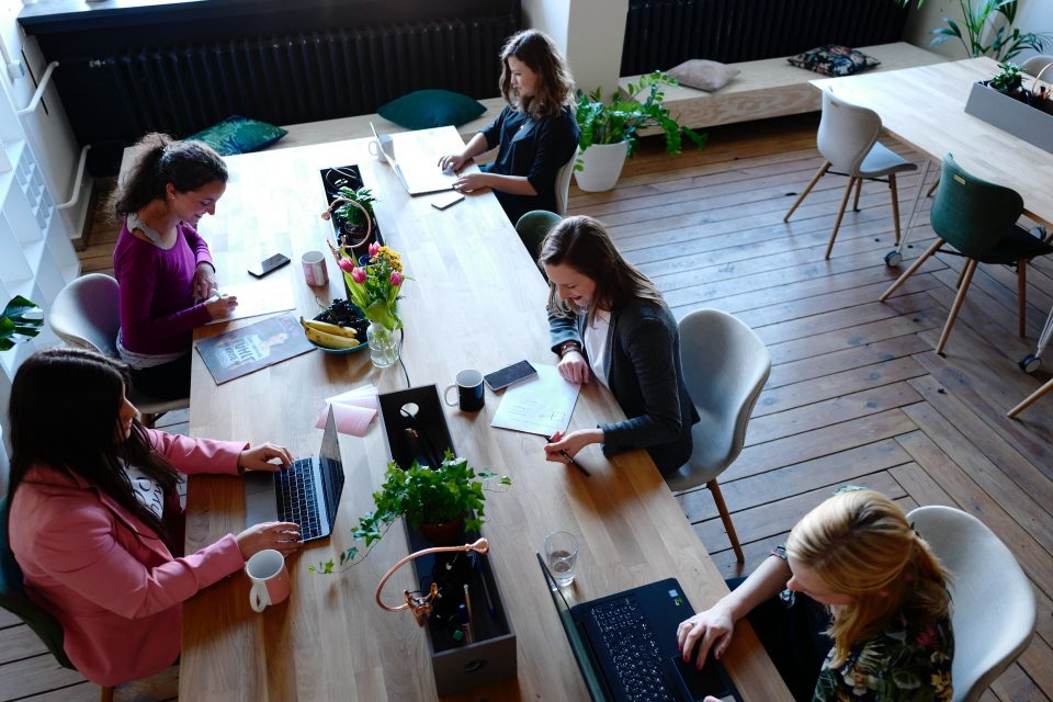 How coworking office helps you to establish your business in a new city